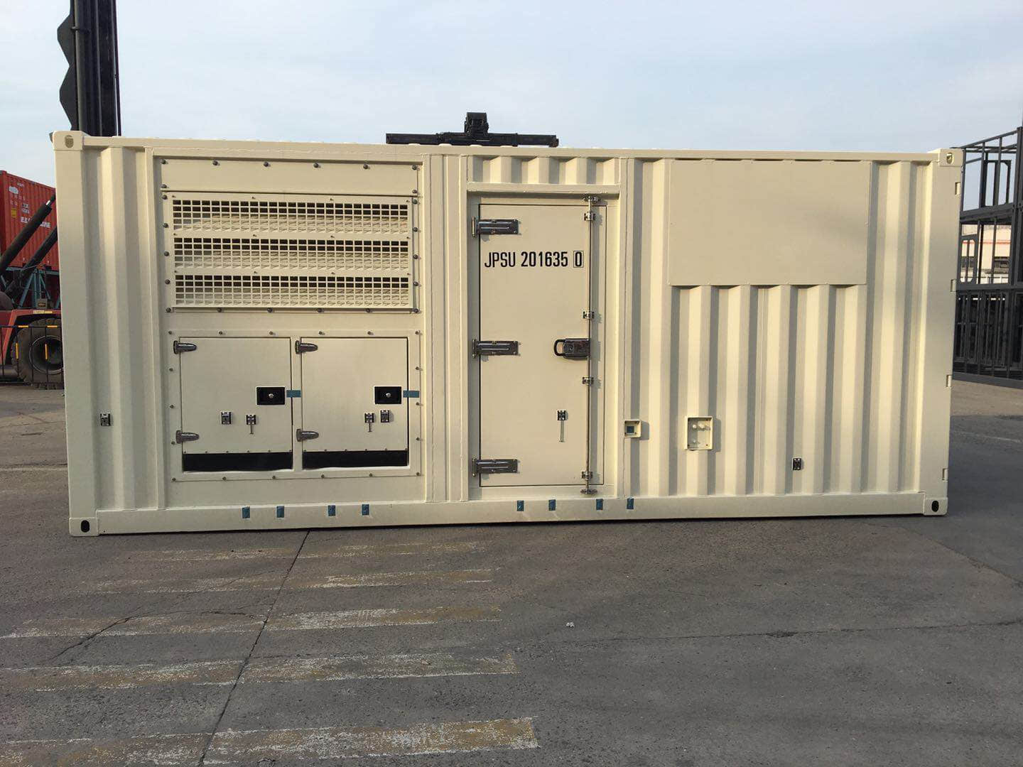 Generator container side view
