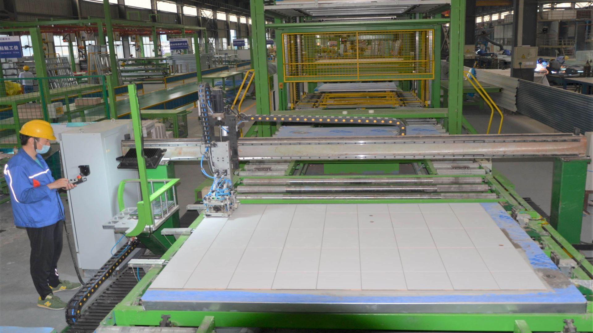 Modular Building robot tile fixing