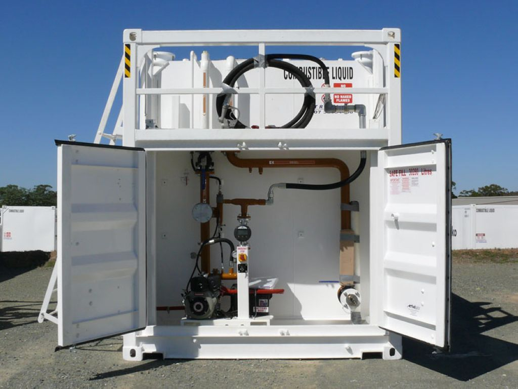 Tank container pump bay